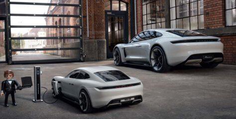 Tajny agent w aucie od Porsche
